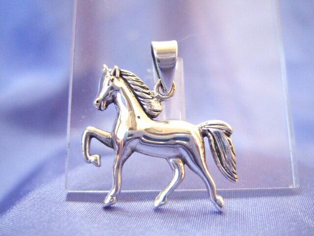 横浜最新 SILVER925銀ペンダント馬♪ホース4.6グラム 巾26ミリ 送料200円27