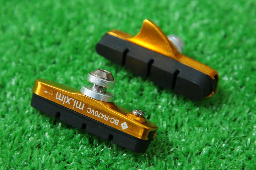 【即納】mi.Xim 軽量 シマノ/スラム互換 ロード用 キャリパーブレーキ用 カートリッジ式 ブレーキパッド ブレーキシュー アルミハウジング ゴールド