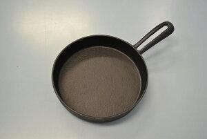 スキレット 14cm 鋳鉄製 池永鉄工 池スキ 直火・電磁調理器・オーブンに対応 フライパン 鉄 大量注文を承ります レストラン ホテル 専門店で使用【取り寄せ商品】