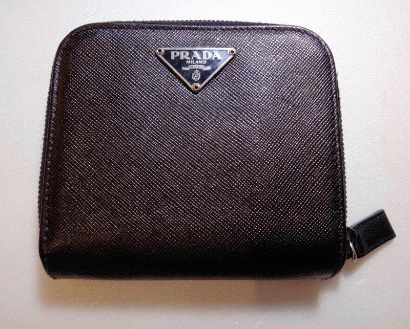 美品 PRADA プラダ 二つ折り財布 ブラック レザー【中古】t-002