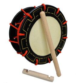【クーポン有り!】送料無料 エイサー締め太鼓(25cm)持ち手棒、バチ付き