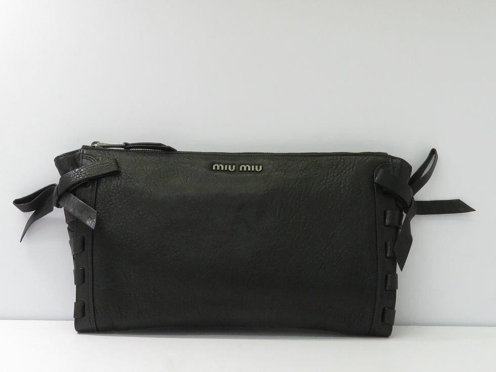 【新着】ミュウミュウ RP0378 レザー ブラック クラッチバッグ【池袋店】【中古】