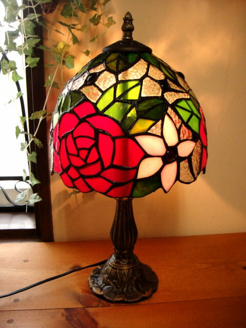 ★アンティーク調ステンドグラススタンドランプ 薔薇 ブラウン テーブルランプレトロ大正ロマン系卓上照明ガラスフロアランプバラ 2805