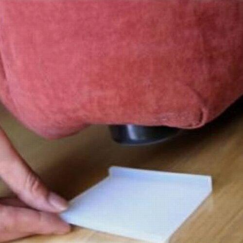 【メール便送料無料】 ソファーがズレないシリコンマット (4個入) 【ソファー 滑り止めマット すべり止めシート】