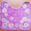 トイレ足元マット(縦57x横63cm)パープル系ピンクに同色の花模様