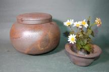 D-2-1輝光窯変大丸2変化花器付き骨壷7号花器としてお花を生けて楽しむ。