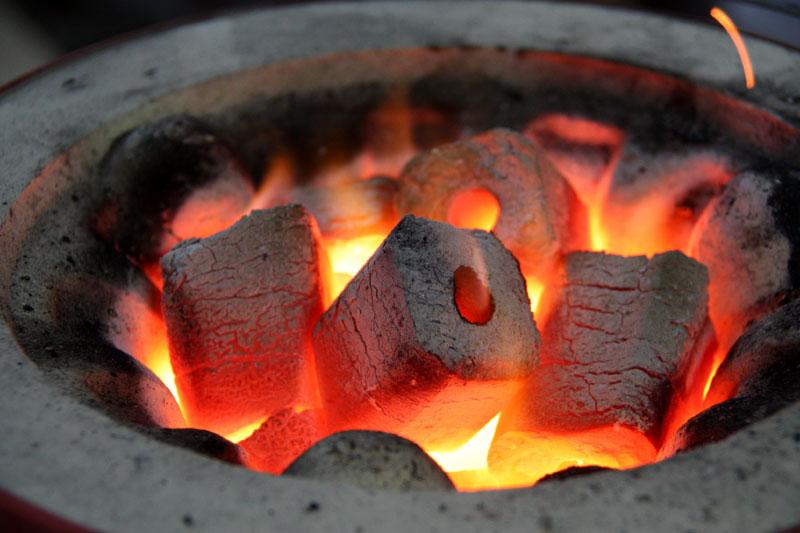 高知産!最高級オガ炭(三栄炭)10kg!爆ぜないから安心して使える!BBQにも最適!◆あす楽◆