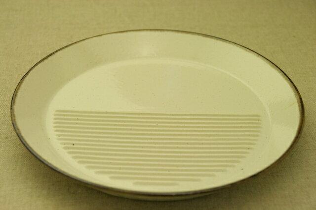 在庫限り アイボリー 粉引 ブラウンライン 油切り付きプレート 丸皿 ディナープレート【 02P26Mar16 】