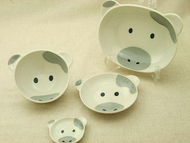うしフェイス陶器4点セット楕円ボウル茶碗小皿箸置ベビー食器に! 安心な日本製 牛(子供) 出産祝い、誕生祝い、入園祝いに【楽ギフ_包装】【楽ギフ_のし】【楽ギフ_メッセ入力】【 532P19Apr16 】