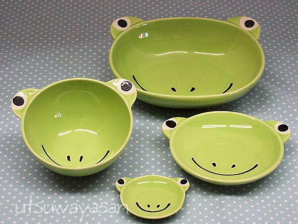 カエルの陶器4点セット楕円ボウル茶碗小皿箸置ベビー食器に!安心な日本製 フロッグかえる(子供ベビー)出産祝い、誕生祝い、入園祝いに【楽ギフ_包装】【楽ギフ_のし】【楽ギフ_メッセ入力】【 532P19Apr16 】