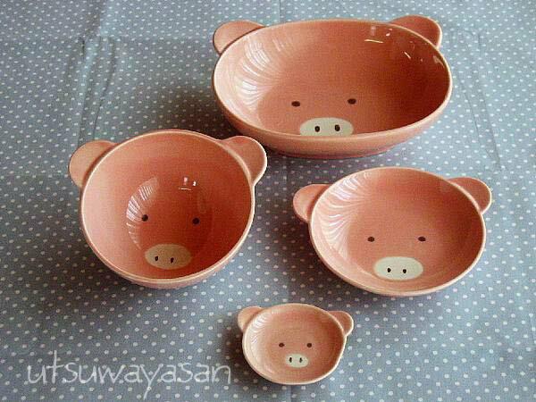 こぶたの陶器4点セット楕円ボウル茶碗小皿箸置ベビー食器に!安心な日本製ピッグ(子供)ブタ 出産祝い、誕生祝い、入園祝いに【楽ギフ_包装】【楽ギフ_のし】【楽ギフ_メッセ入力】【 532P19Apr16 】