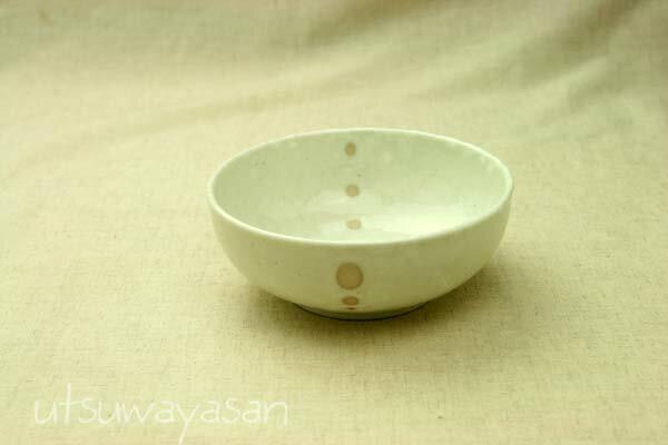 シンプルドット 水玉 白/黒 ほっこり中くらいボウルM4.5寸の使いやすい小鉢 煮物鉢 鍋料理の取り鉢に【 02P18Jun16 】