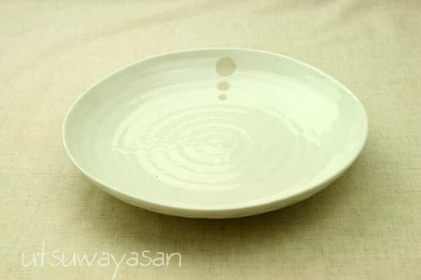 シンプルドット水玉 白/黒 ほっこりちょっと大きめパスタプレートL/8寸皿/カレー皿やシチュー皿に/盛り皿/ワンプレート【 02P18Jun16 】