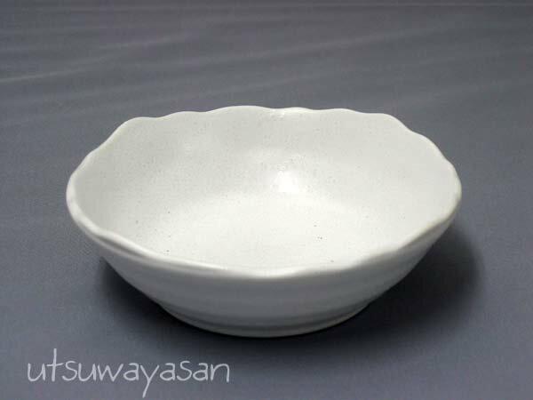 ホワイトマット調粉引 ボウルM/白い/食器/小鉢/サラダ/デザート/日本製