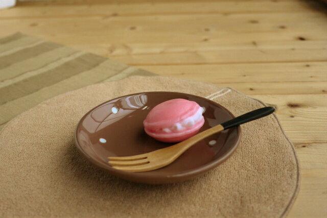 在庫限り かわいいドット 水玉カフェ小皿 ココア茶色プレート 受け皿 デザート ポワン