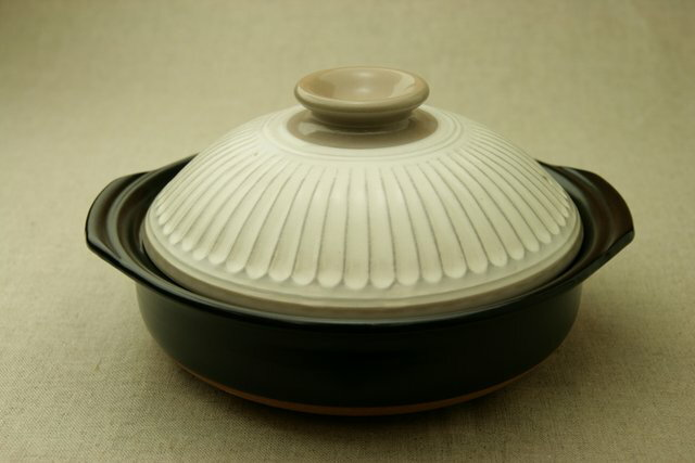 菊花ナチュラル刷毛目 エコ・ラク 土鍋 6号鍋 日本製 一人用直火可 耐熱 軽量 炊飯目盛付 夜食や一人暮らしに
