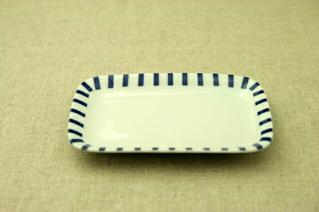 十草(ストライプ) ほっこりつかいやすい四角い取り皿デザート・ケーキ皿にもスクエアプレート 長角皿 和食器 日本製【 02P18Jun16 】