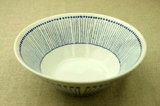 蒼十草(そうとくさ) 麺鉢 青と白の反らし型7.0鉢ストライプ 大鉢 ラーメン鉢 丼 どんぶり 和食器 日本製 カネ定製陶 蒼の器