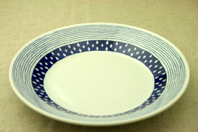 蒼露(そうろ) 24cm大皿 青と白の反らし型8.0皿ドロップ ボーダー ディナープレート カレー皿 パスタ皿 和食器 日本製 カネ定 蒼の器【 02P18Jun16 】
