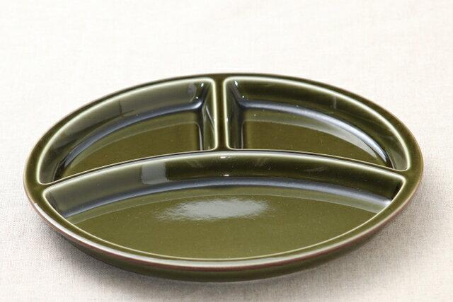 モスグリーン色 陶器 丸型 ランチプレート 3つ仕切り皿 日本製 おうちカフェ 円形 緑 おしゃれ【 02P18Jun16 】