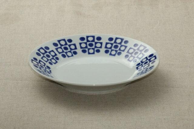 蒼粋(そうすい) 24cm大皿 青と白の反らし型8.0皿リーフ ディナープレート カレー皿 パスタ皿 和食器 日本製 カネ定 蒼の器【 02P18Jun16 】