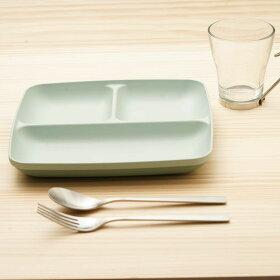 ランチプレート23cmスクエアスタッキングミン・ファーリMINFARG洋食器プラスチック日本製電子レンジ対応食洗機対応仕切り皿角皿ランチ皿抗菌ワンプレート割れにくい北欧おしゃれ