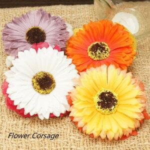 大きなひまわりの花が一際目を引く華やかなフラワーコサージュ ヘアアクセサリー ブローチ ワッペン バッヂ バッチ バッジ お花 formal