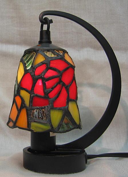 ステンドグラス ランプ 吊り型 ミニサイズ バラ柄 高さ16.5cm ステンドライト
