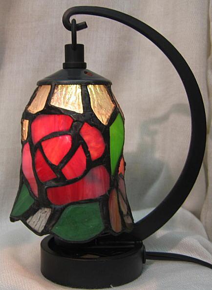 ステンドグラス ランプ 吊り型 ミニサイズ 赤ローズ柄 高さ16.5cm ステンドライト