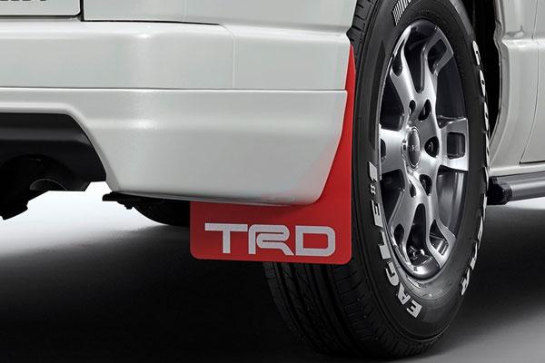 [TRD] マッドフラップ レッド ハイエースコミューター / ハイエースワゴン KDH22# TRH21# TRH22# 13/11〜 除くマッドガード(カラード)、マッドガード付車