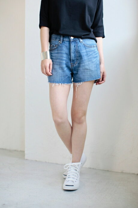 【AZUL BY MOUSSY】カットオフショートデニム AZUL BY MOUSSY / アズール バイ マウジー【MARKDOWN】