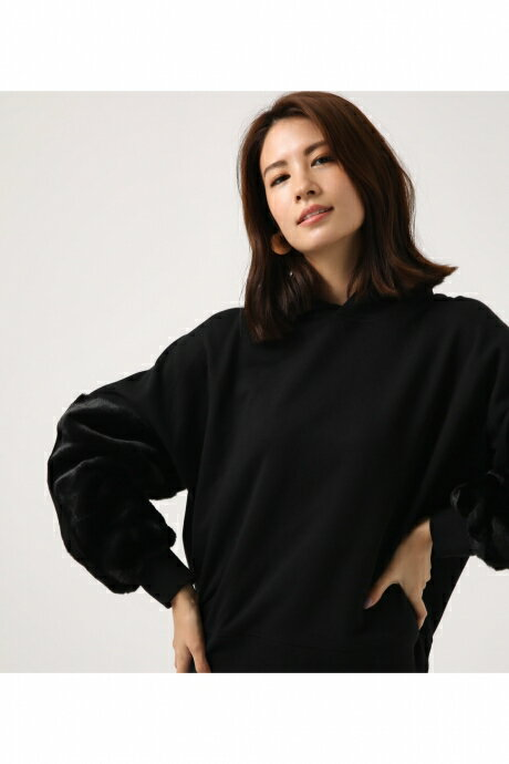 【AZUL BY MOUSSY】FAKE FUR SLEEVE パーカー AZUL BY MOUSSY/アズール バイ マウジー/レディース/トップス パーカー【MARKDOWN】