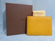【LOUISVUITTONルイヴィトン】新品同様二つ折り財布ミュルティプルシボレザーイエロー系箱保存袋付き【中古】