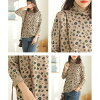 The casual clothes retro beige brown green orange that long t shirt knit Ron t pattern thin pullover adult fashion is cute in turtleneck cut-and-sew Lady's tops long sleeves t shirt high neck floral design sloppy neck spring and summer
