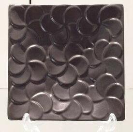 【Jenggala・ジェンガラ】◆フランジパニ角皿(全面)ブラック14cm角◆(アジアン食器・洋食器・卓上テーブルアイテム・バリプレミアム)