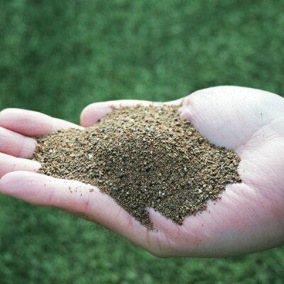土壌になじみやすい顆粒タイプ