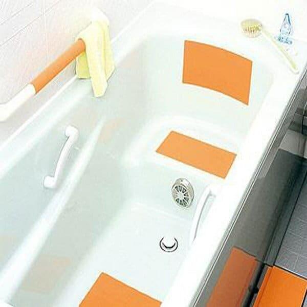滑り止めマット/スーパー浴室シート(2枚入)【マーナ 滑り止め すべり止め 浴室 風呂場 浴室 バスルーム 浴槽 シート マット 貼って はがせる カンタン 特殊弾性樹脂 新素材 浴室 お風呂 浴槽 床 便利 雑貨 小物】