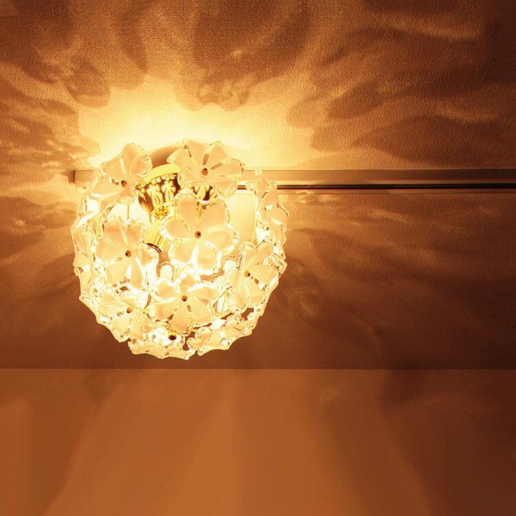 【お花のシャンデリア】シーリングライト ブルーム[Bloom] 3灯 GEM-6894|天井照明 led 6畳用 プルメリア 照明器具 寝室 かわいい 食卓用 居間用 ライト 電気 おしゃれ 子供部屋 ベッドルーム リビング用 ダイニング用 インテリア