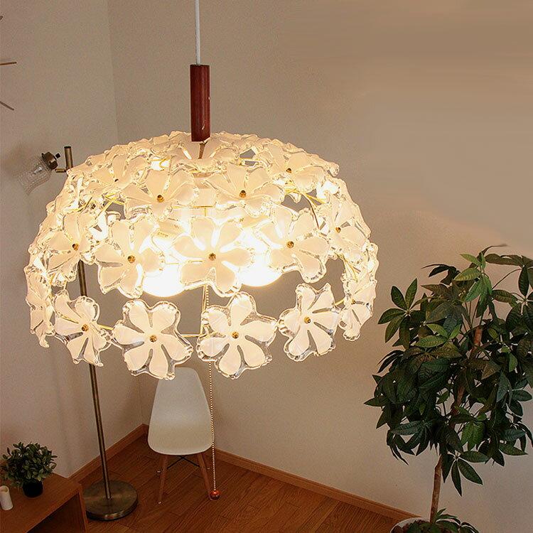 【お花のシャンデリア】ペンダントライト ブルーム[Bloom]3灯 GEM-6893|天井照明 電球色 LED電球対応 6畳用 シャンデリア 照明器具 寝室 かわいい インテリア シーリングライト シーリング ライト ダイニング用 リビング用 居間用 食卓用