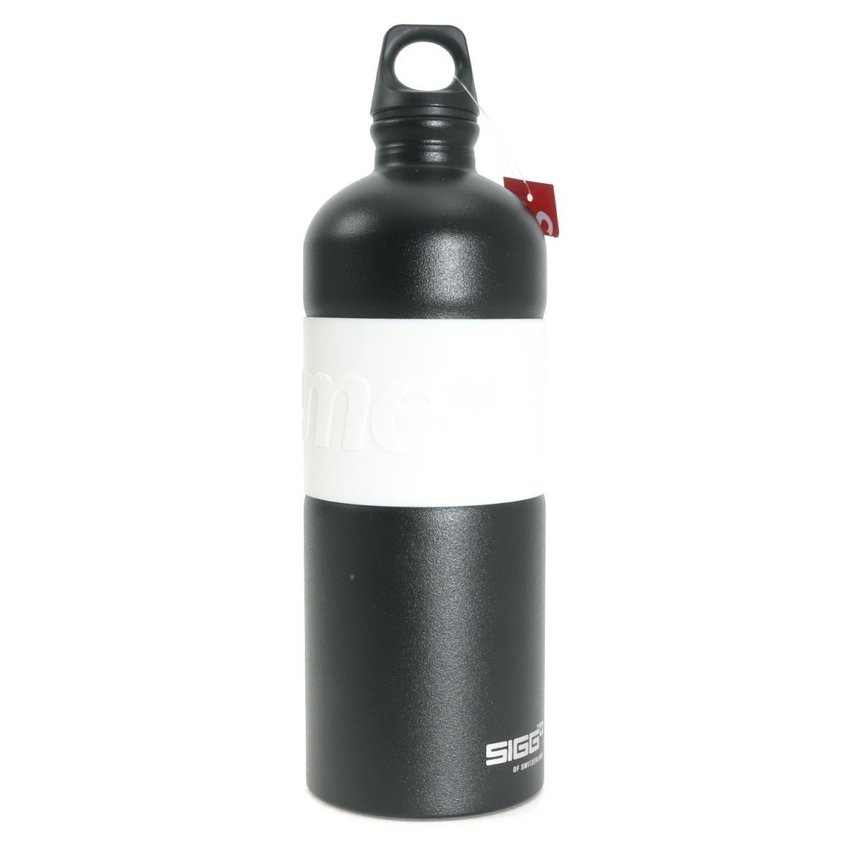Supreme (シュプリーム) 19S/S ×SIGG ブランドロゴウォーターボトル(CYD 1.0L Water Bottle) ブラック 【メンズ】【K2198】【あす楽☆対応可】