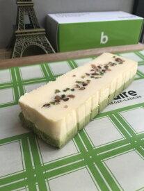洋菓子 チーズケーキ チョコレート バター クリーム フランス 通販 生ケーキ 【ピスタチオ・フロマージュ・ミ・キュイ】ベイクドチーズケーキ 濃厚チーズケーキ チーズタルト 誕生日 お取り寄せスイーツ お菓子 美味しい 高級