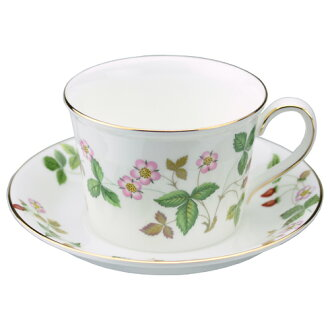 Wedgwood wild strawberry Teacup & saucer (Delphi)