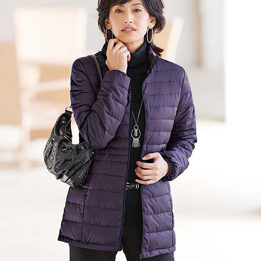 軽量ダウンジャケット(ポーチ付)(3L〜5L) ベルーナ 40代 50代 60代 レディース ミセス ファッション 大きいサイズ 秋 冬 あったか