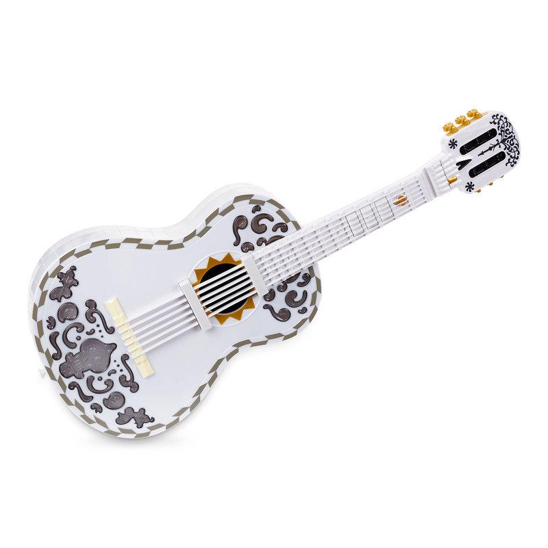 【取寄せ】 ディズニー Disney US公式商品 リメンバーミー ココ Coco ピクサー リメンバミー ギター おもちゃ 玩具 マテル Mattel [並行輸入品] Interactive Guitar by グッズ ストア プレゼント ギフト 誕生日 人気 クリスマス 誕生日 プレゼント ギフト