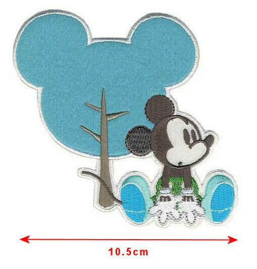 【1-2日以内に発送】ディズニー Disney ミッキーマウス クラフト 手芸 服 アイロンで取り付けるアップリケ ワッペン 布 アップリケ [並行輸入品] Mickey Mouse, with Silhouette Iron-On Applique クリスマス 誕生日 プレゼント ギフト