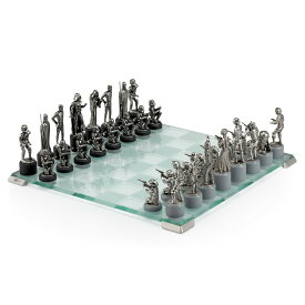 【取寄せ】 ディズニー Disney US公式商品 スターウォーズ セット チェス ゲーム おもちゃ ロイヤルスランゴール 小物入れ [並行輸入品] Star Wars Pewter Chess Set by Royal Selangor グッズ ストア プレゼント ギフト クリスマス 誕生日 人気