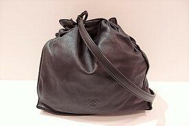 dd89d8ce1d06 ロエベ LOEWE 巾着 ショルダーバッグ アナグラム ロゴ ブラック 黒 レザー ハンドバッグ 肩掛け 斜め掛け バッグ 鞄