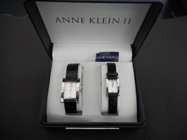 アン クライン II Anne Klein メンズ レディース ペア 腕時計 セット 角型 スクエア 白 ホワイト 文字盤 黒 ブラック SS レザー アナログ クォーツ ファッション ウォッチ 時計 紳士 婦人  【中古】ht903 ht904