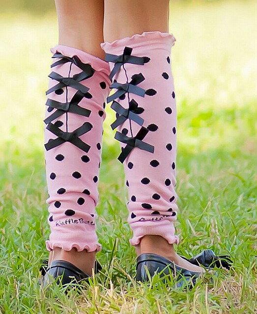 Ruffle Butts ピンク ブラックドット サテンリボン レッグウォーマー 黒 ピンク Pink & Black Bow Legwarmers ラッフルバッツ 女の子 タイツ レッグウォーム キッズ ベビー 赤ちゃん 防寒 防止 海外 ブランド おしゃれ かわいい 80 90 100 フォーマル スケート