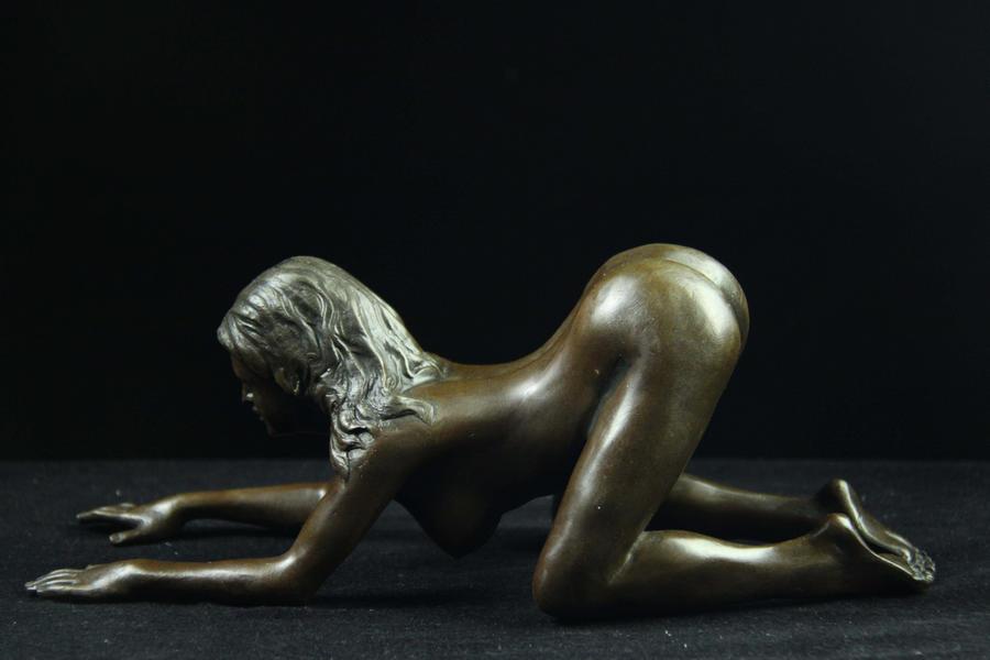 【送料無料】大人気ブロンズ像セクシーな裸女Nino Oliviono銅像インテリア彫刻美術品フィギュア